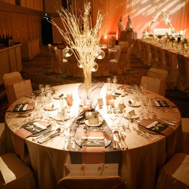 ホテル日航福岡 都久志の間 テーブルデコレーション 披露宴