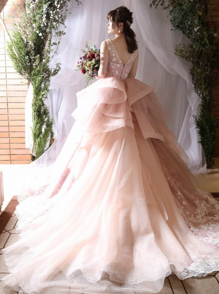 FioreBianca(フィオーレビアンカ)オリジナルドレスの上質フェミニンな一着