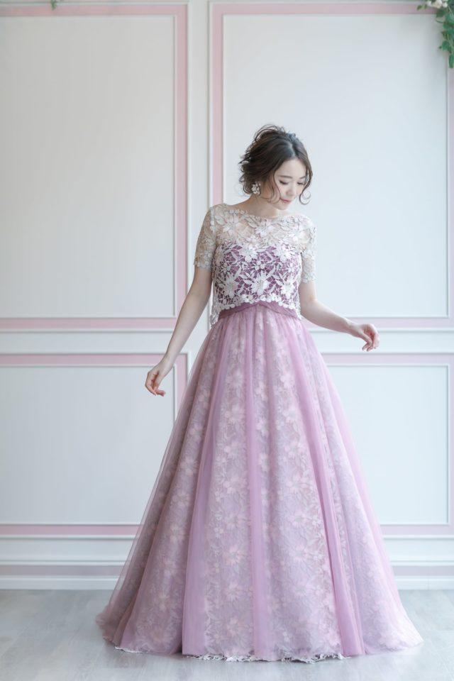 ボレロ付きのウェディングドレス