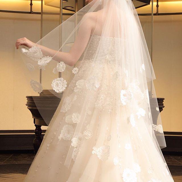 ドレスの素敵さを活かせるウェディングベールを選びたい!