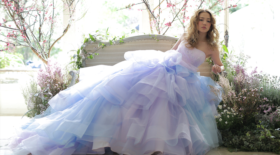 可愛くてオリジナルなグラデーションドレスの魅力♡