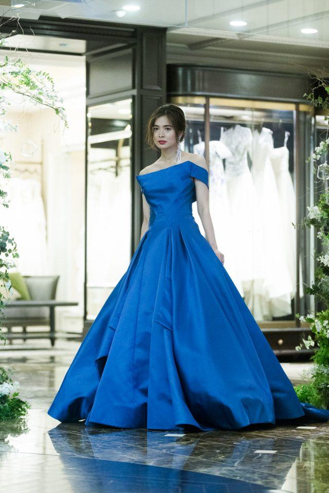ゲストを魅了するZAC POSEN(ザック・ポーゼン)のセンシュアルな主役ドレス