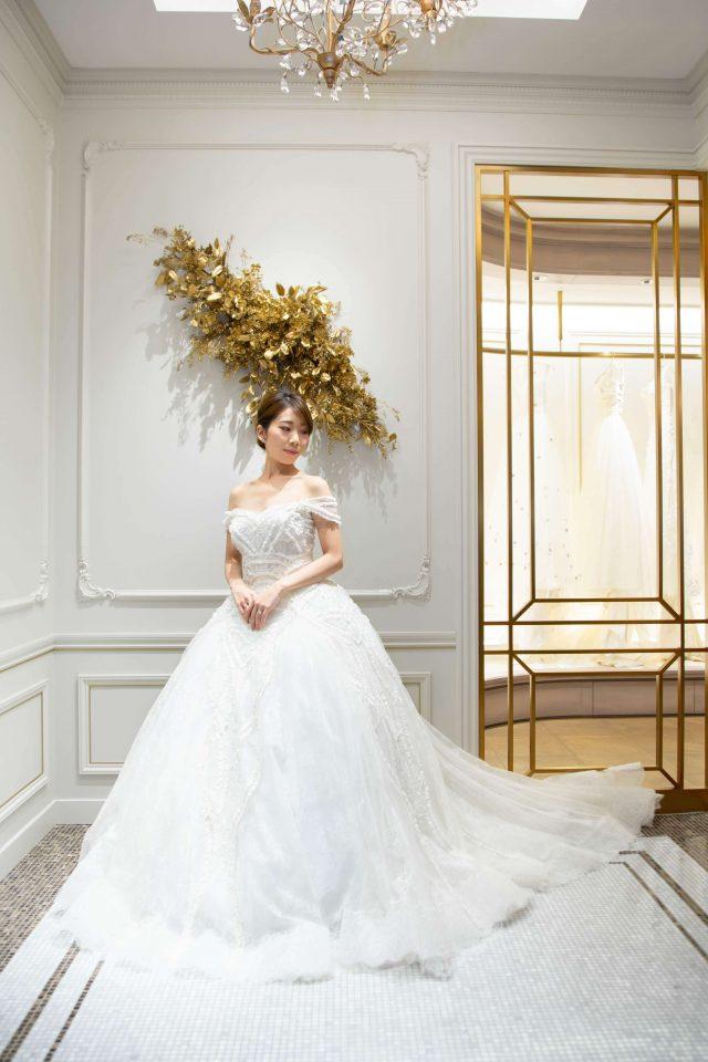 スペイン人気ブランドYolan Cris(ヨーランクリス)のロマンティック、夢のようなプリンセスドレス