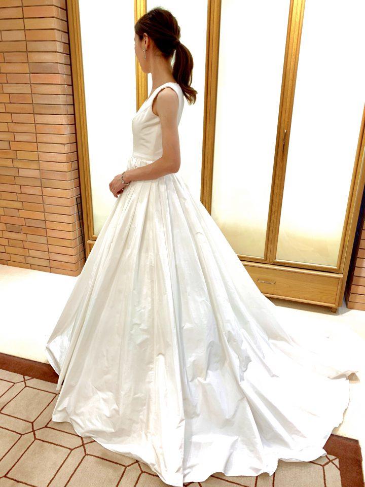 洗練された美しさが魅力Fiore Bianca (フィオーレビアンカ) オリジナルドレス