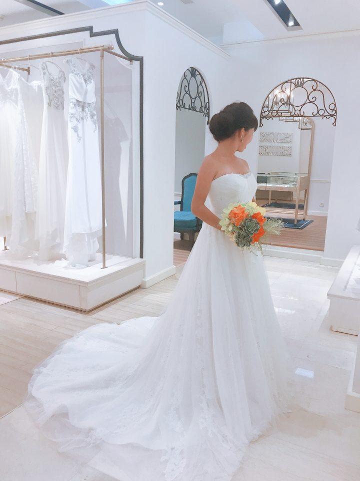 KELLY FAETANINI(ケリーファッタニーニ)でチュールのドレスを品よく大人っぽく