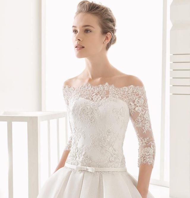 ウェディングドレスのベルトでウエストラインを綺麗にみせよう !