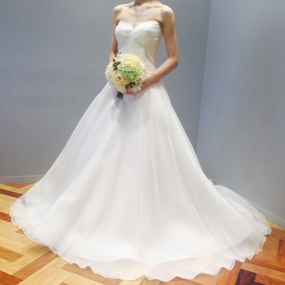 お二人の大切な1日に Bliss by Mnique Lhuillier(ブリス バイ モニーク・ルイリエ)のドレス