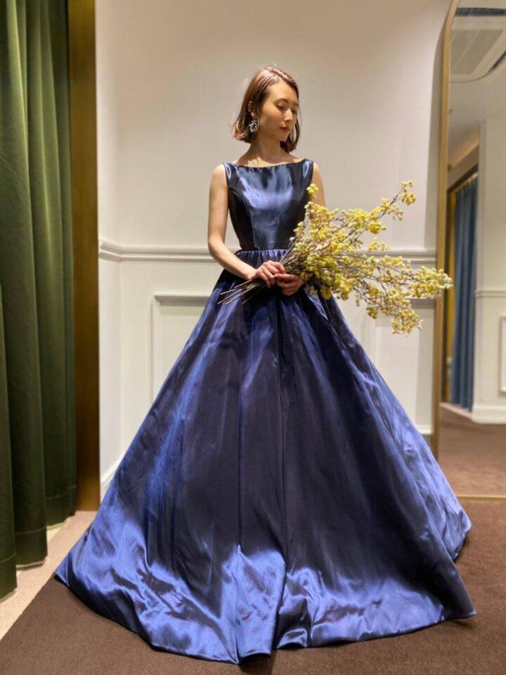 iore Bianca(フィオーレビアンカ)オリジナルのネイビーカラードレス