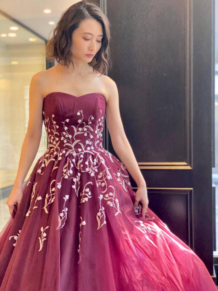 ボルドーのカラードレス すずらん刺繍