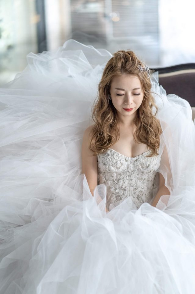 やっぱり人気♡MARCHESA(マルケーザ)のチュールのウェディングドレス