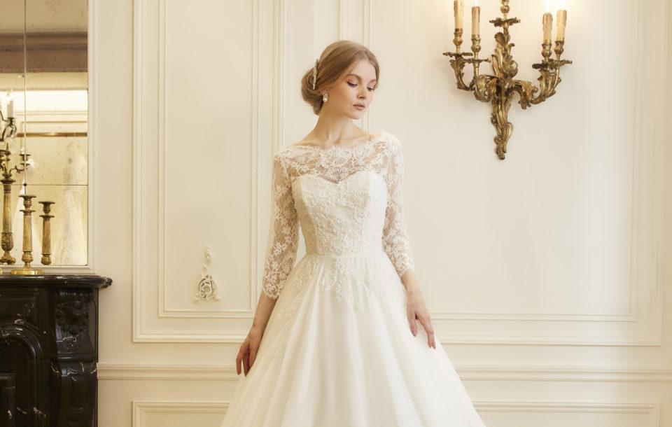 伝統的なヴィンテージウェディングドレスで、思い出に残る結婚式