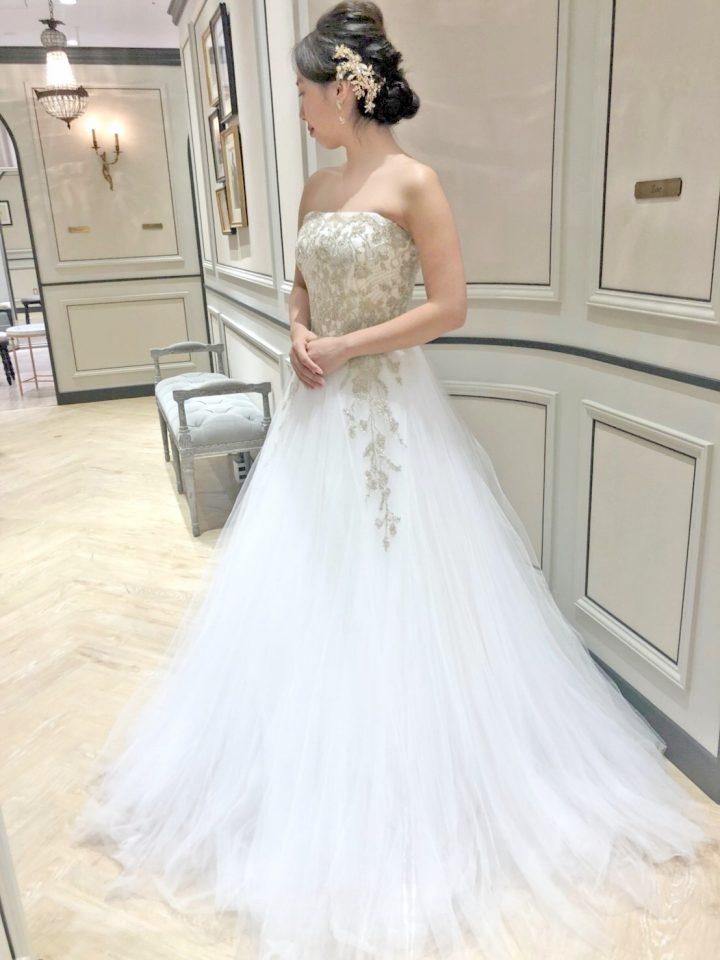 オシャレな花嫁様へ贈るDavid Fielden(デイヴィットフィールデン)のドレス
