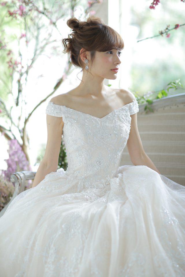 Fiorebianca(フィオーレビアンカ)Aライン ウェディングドレス