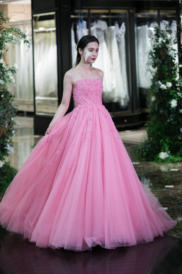 ドレスショップJUNO(ジュノ)のKENNETH POOL(ケネスプール)を着用した花嫁さま/Dresses
