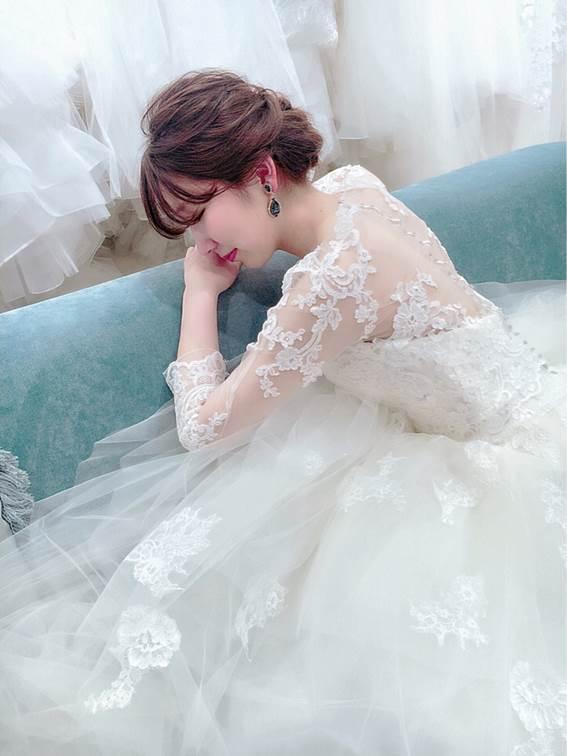 エンゾアニのAラインウェディングドレス