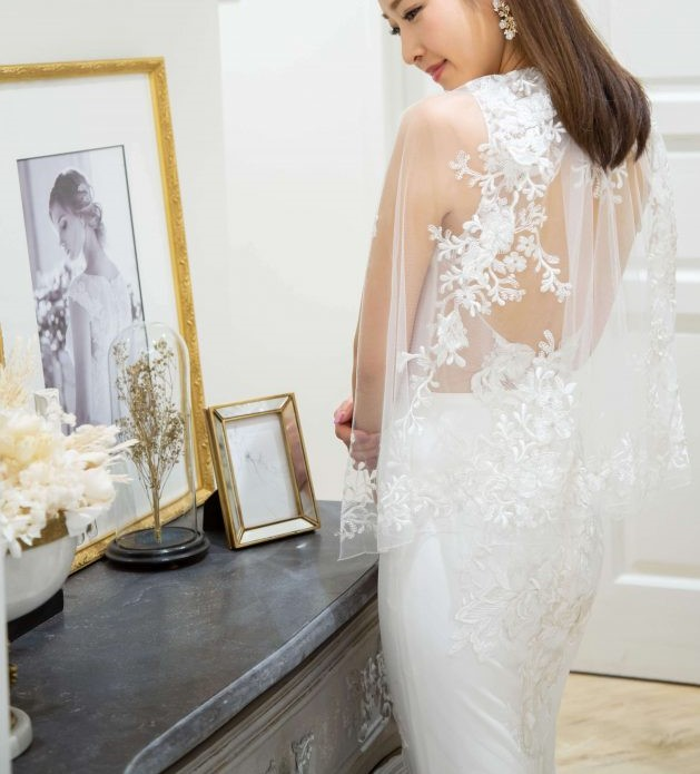 ドレスショップFiore Bianca(フィオーレビアンカ)のElizabeth Fillmore(エリザベスフィルモア)の2WAYウェディングドレス/Dresses