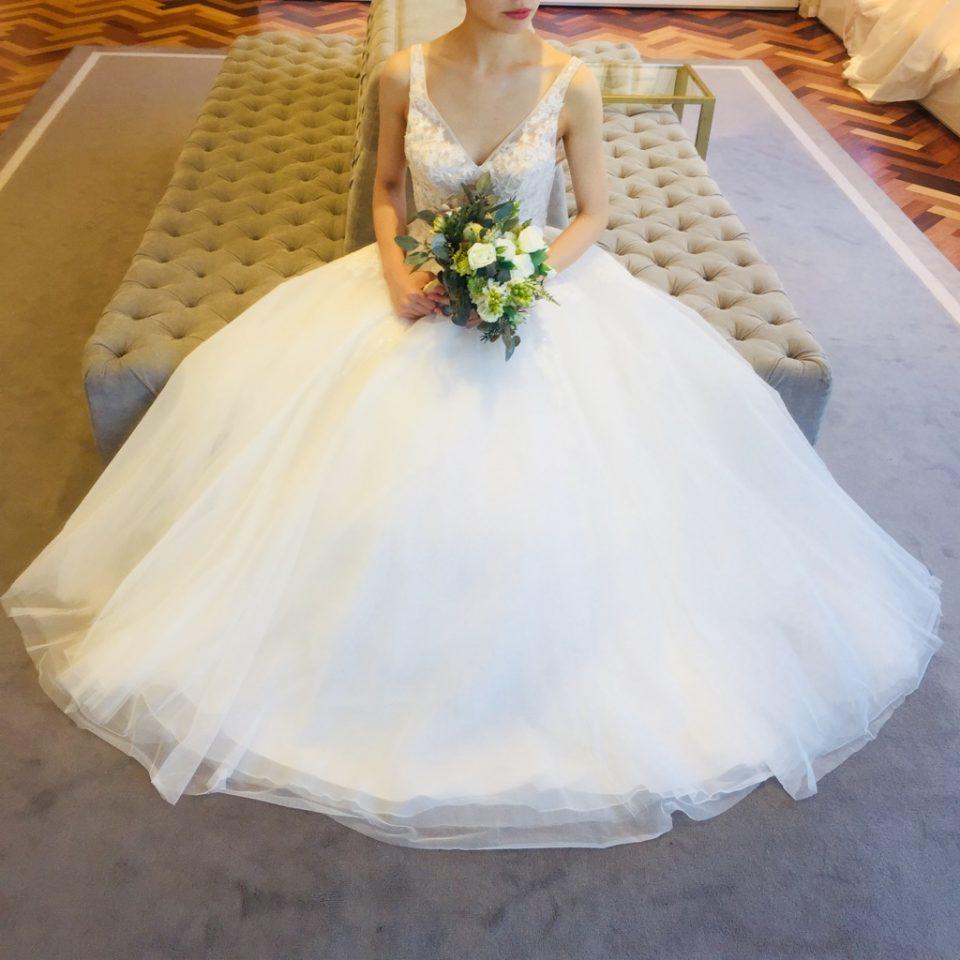 繊細なレースや刺繍づかいで新婦様をより柔らかに女性らしく演出してくれるBliss by Monique Lhuillier(ブリスバイモニークルイリエ)のドレス