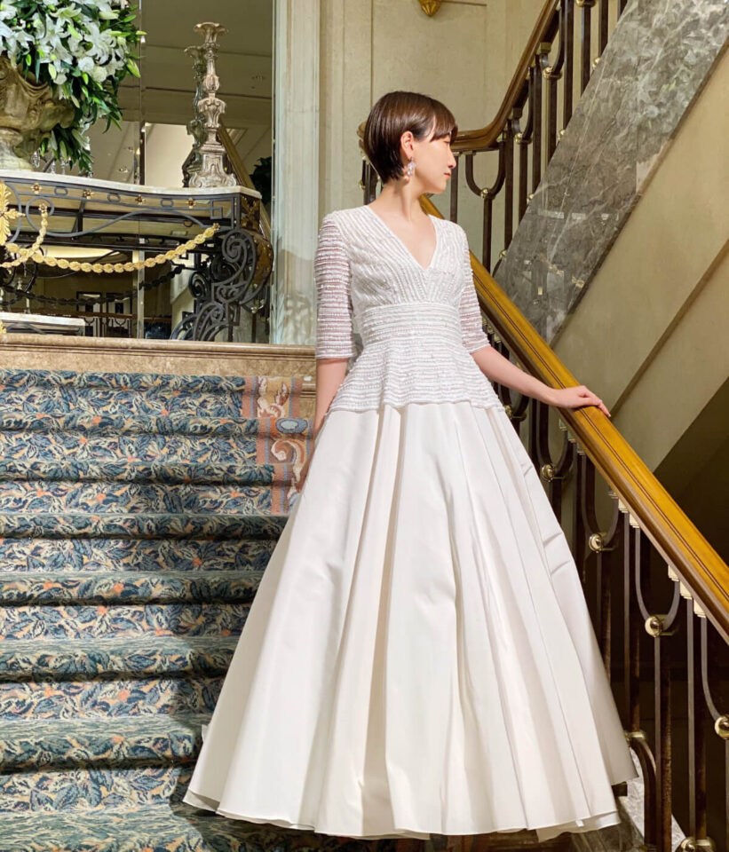 NAEEM KHANのロングスリーブウェディングドレス