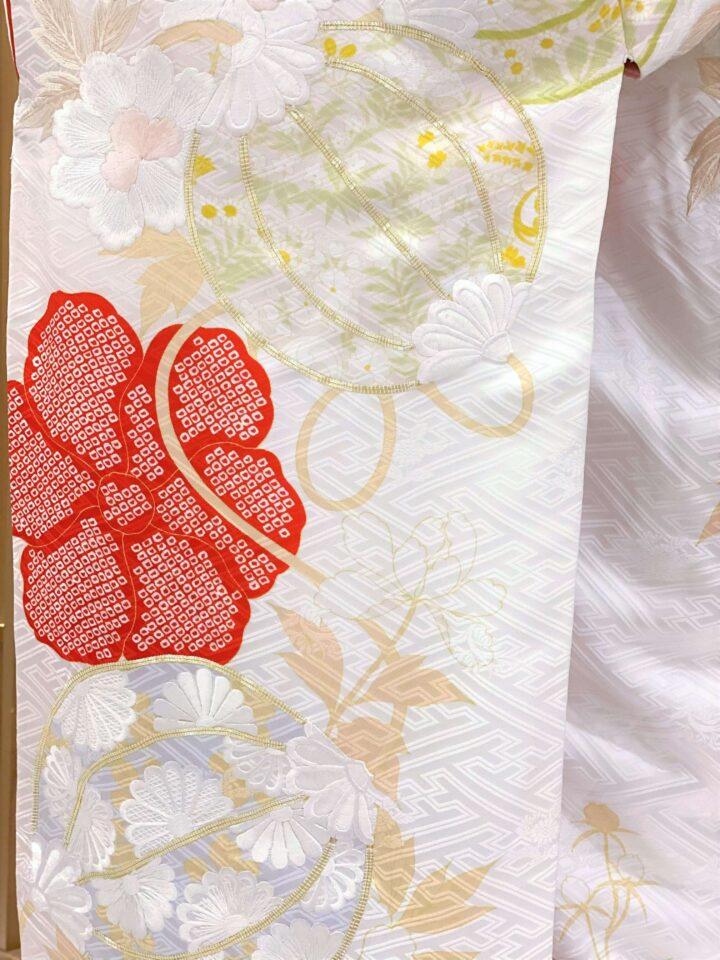 白無垢 寛文匂い袋に牡丹(かんぶんにおいぶくろにぼたん)