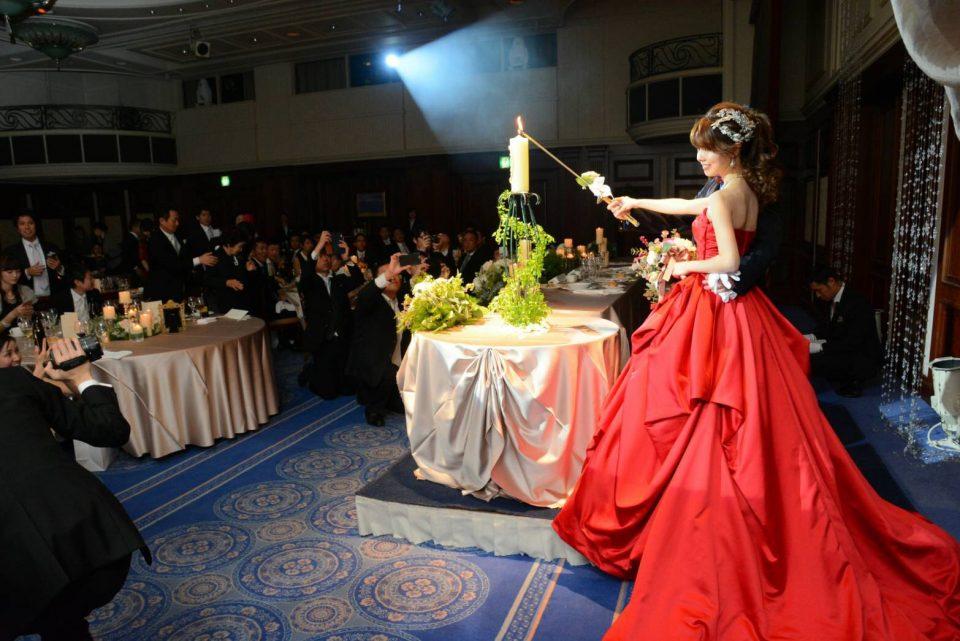 JUNO(ジュノ)オリジナルドレスの大人シックな色味で格調高く装って