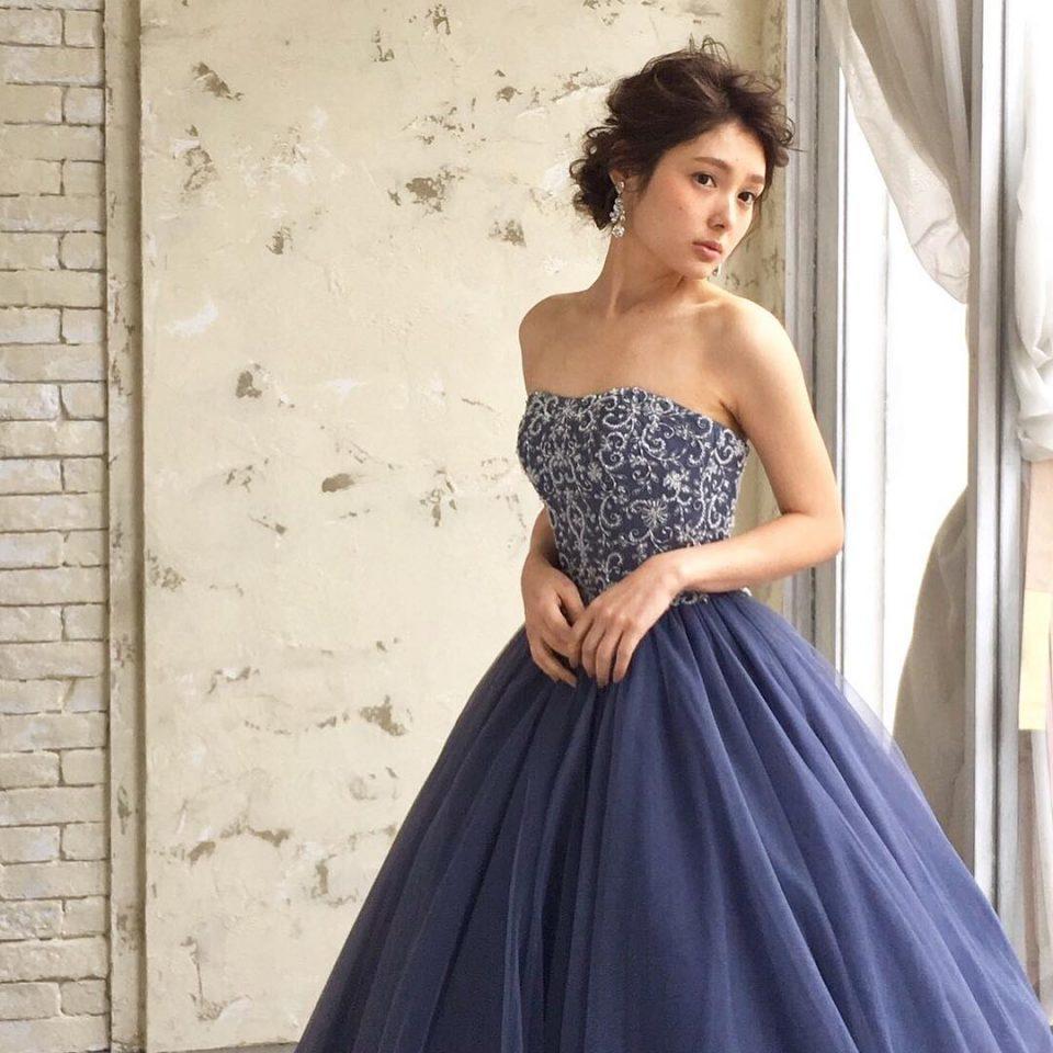 今ほしいのはオトナ色♡人気の紺色ドレス5選