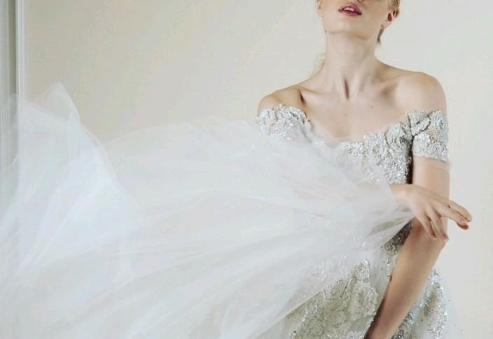 人気上昇中!オフショルダータイプのドレス♡