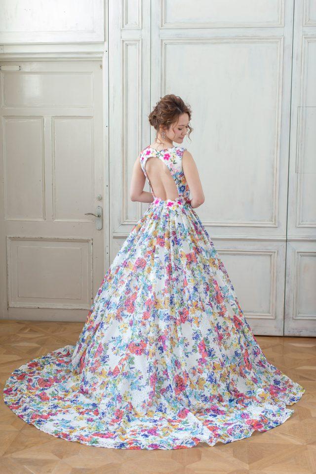 新作ドレス Fiore Bianca(フィオーレビアンカ)  バックスタイルで魅せる美しさ