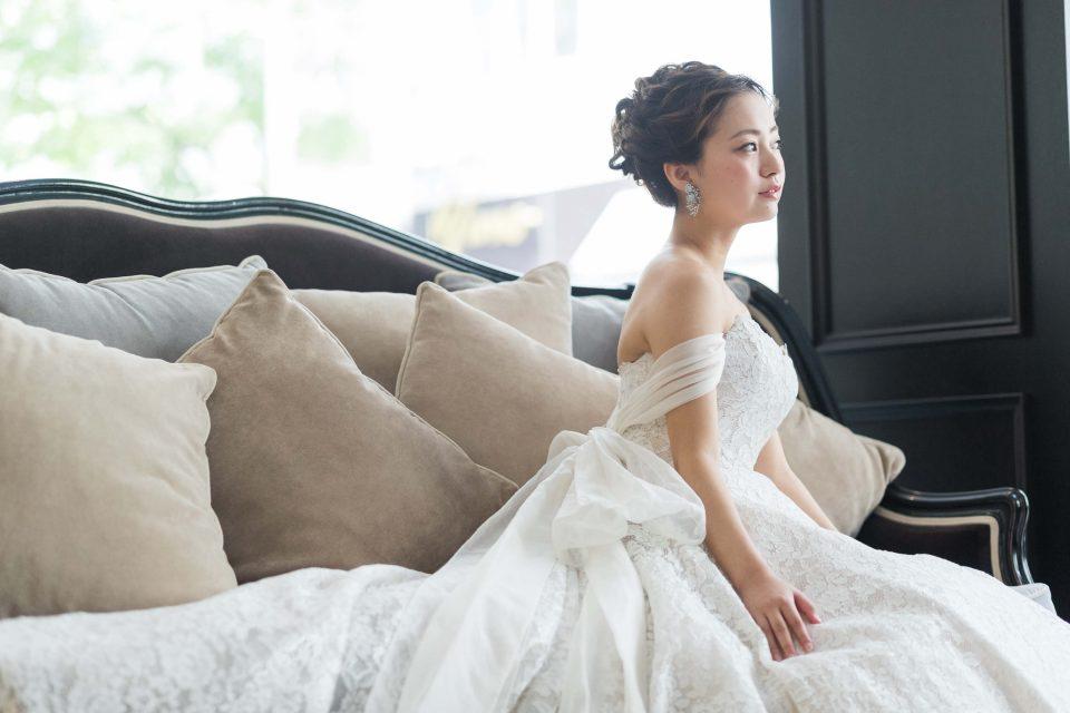 ウェディングドレスに似合う髪型選びの3つのコツと注意点