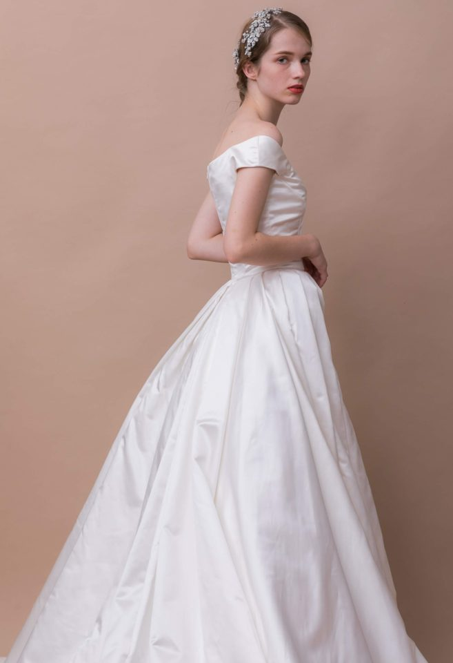 ウェディングドレス09