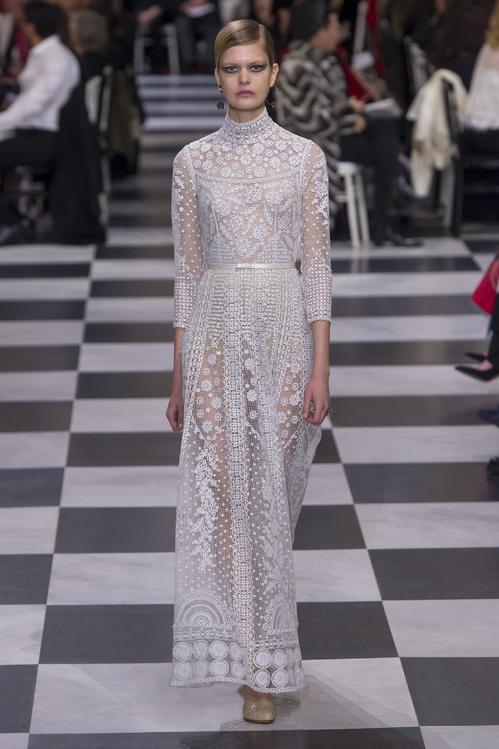 オートクチュールのようなウェディングドレスが欲しい