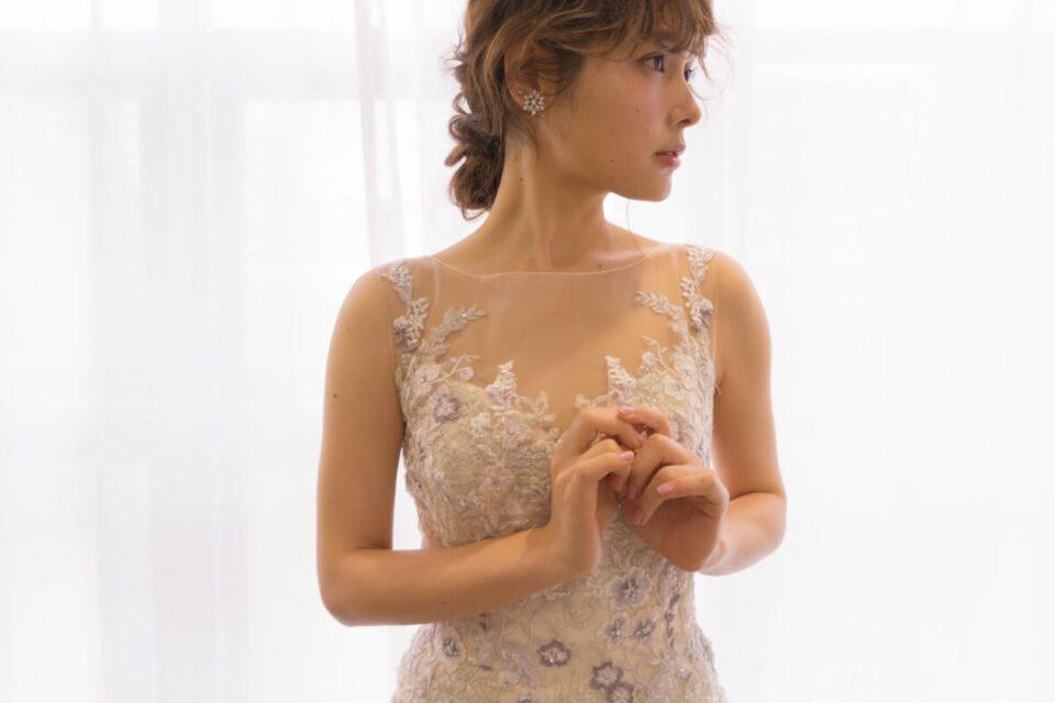 ENZOANIのフラワー刺繍のウェディングドレス