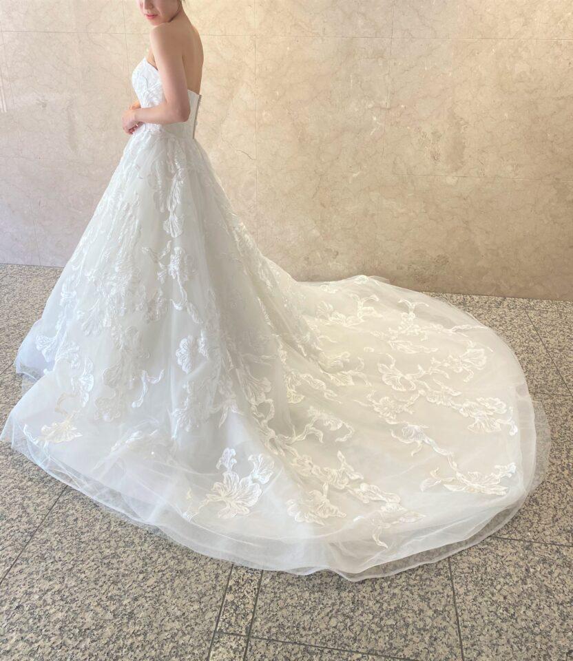 Fiore Bianca(フィオーレビアンカ)オリジナルドレス 大判レース Aライン スパンコール