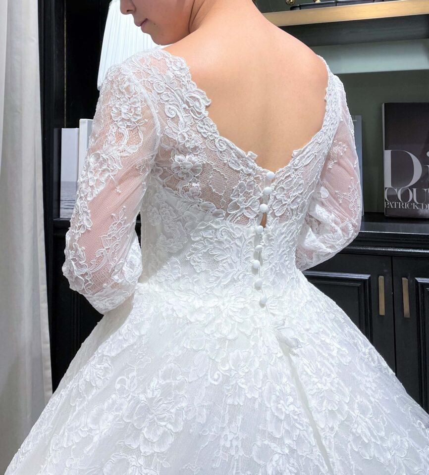 ISABELLE ARMSTRONG(イザベルアームストロング) プリンセスライン コードリバーレース 袖付きドレス
