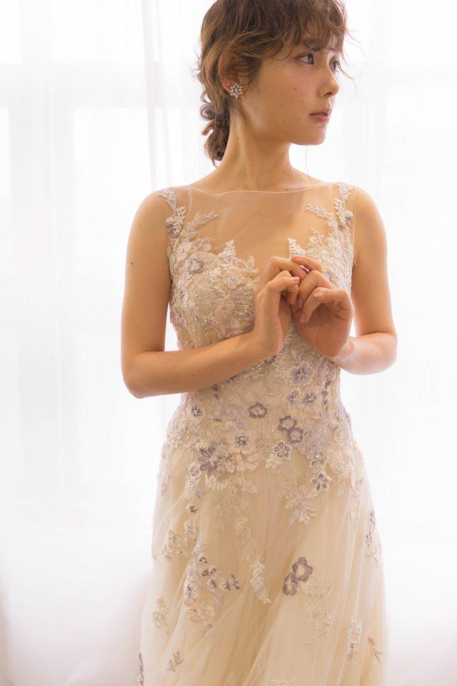 ENZOANI(エンゾアニ)のフラワーモチーフドレス