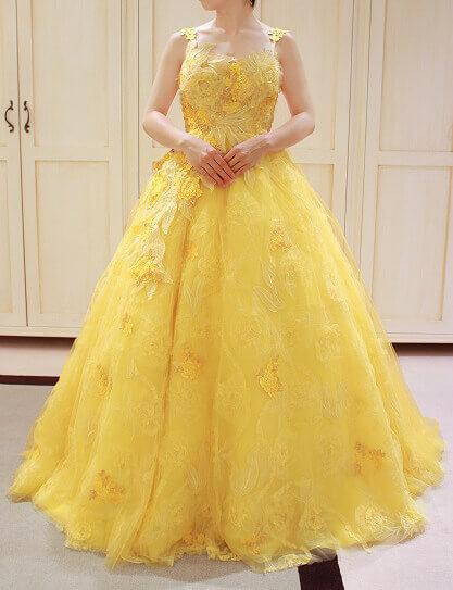 Yolan Cris(ヨーランクリス)の新作カラードレスでSummer Wedding