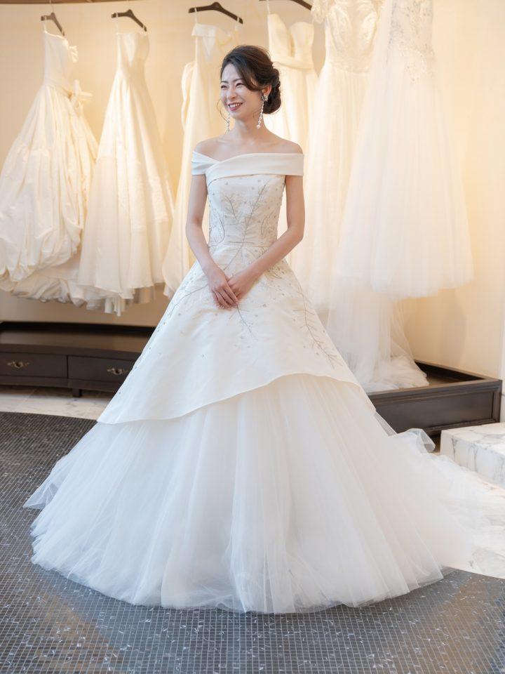 KENNETH POOL(ケネスプール)のJUNO(ジュノ)オリジナルドレスで唯一無二のエレガントナチュラルなパーティースタイル