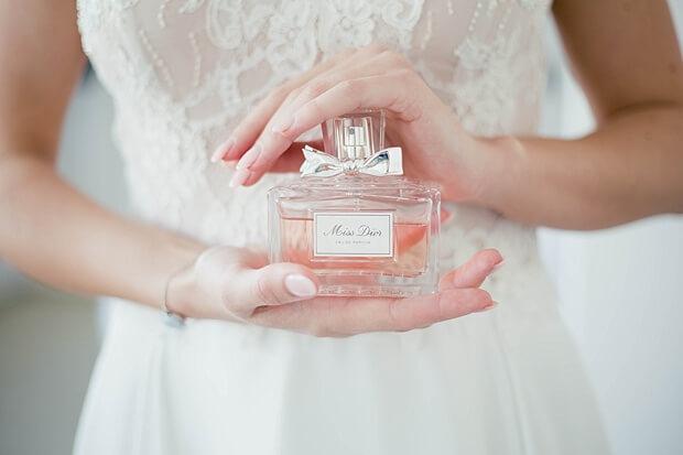 絶対失敗しない!結婚式の香水の正しい選び方、付け方と注意点