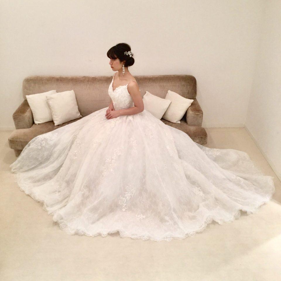 儚げで可愛らしい花嫁さまに♡新作ENZOANI(エンゾアニ)のウエディングドレス