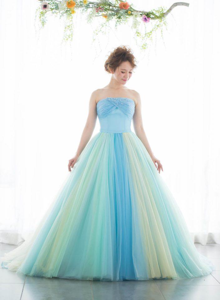 8fe72a0a477fd 体型・身長・肌色別 カラードレスの選び方と似合う色を見つけるコツ ...