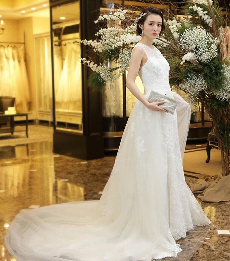 ショートヘア】ウェディングドレスが似合う花嫁髪型アレンジ