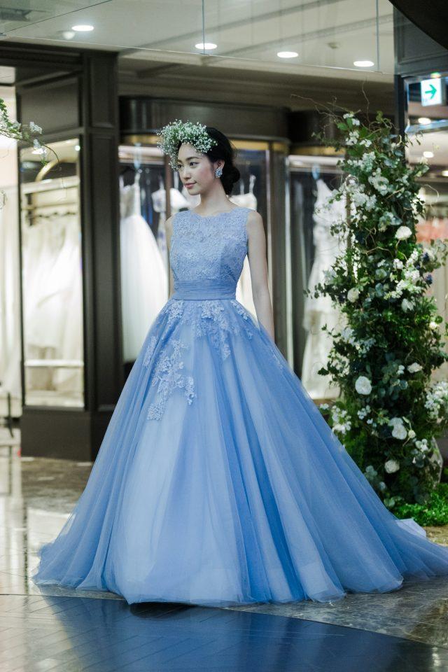 ボリュームたっぷりのLeaf for Brides(リーフフォーブライズ)のカラードレス