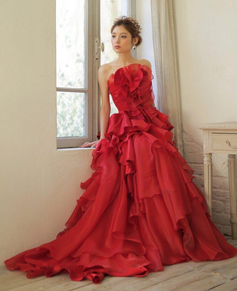 FioreBianca(フィオーレビアンカ)オリジナルの鮮やかなレッドで大人上品な花嫁様に