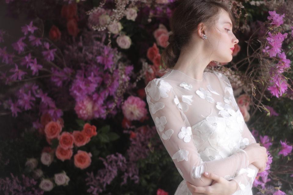 二の腕カバーに最適なドレスの選び方&おすすめ袖付きドレス5選