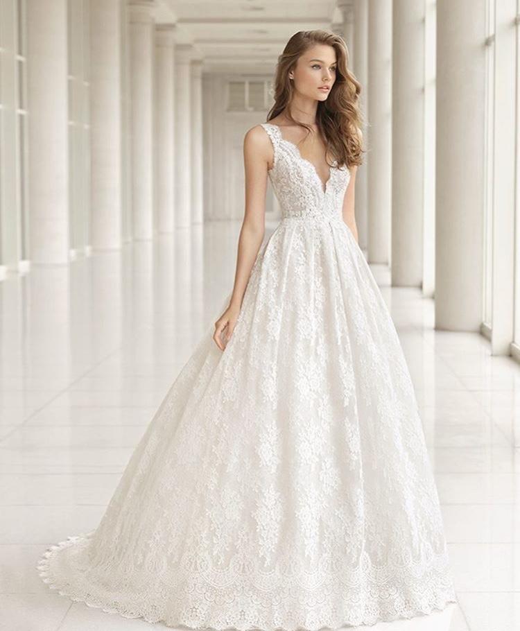 体型で選ぶのが正解 ウェディングドレスの似合う種類とポイント