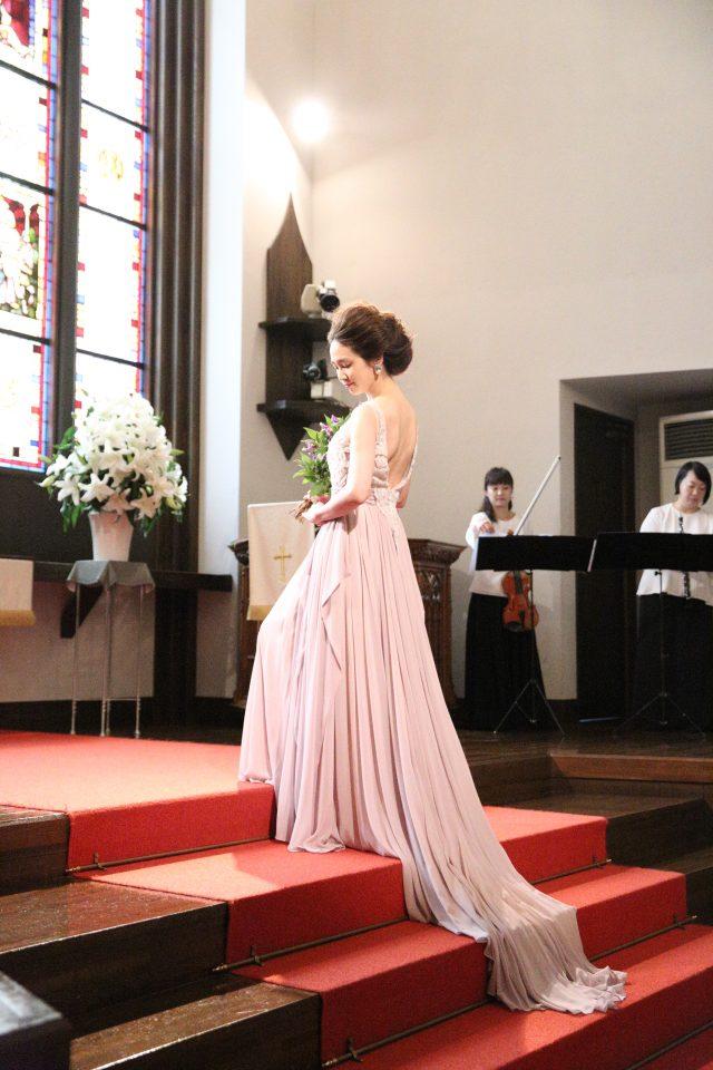 曲線美がより一層目を引くLeaf for Brides(リーフフォーブライズ)