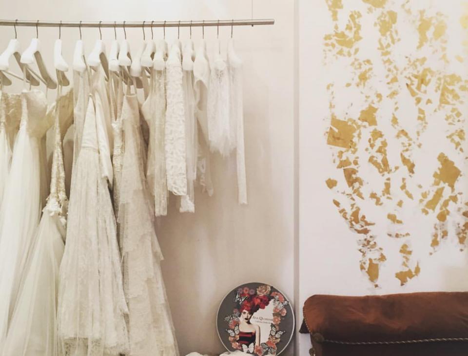 Golden dress or Silver dress? Make up your mind!