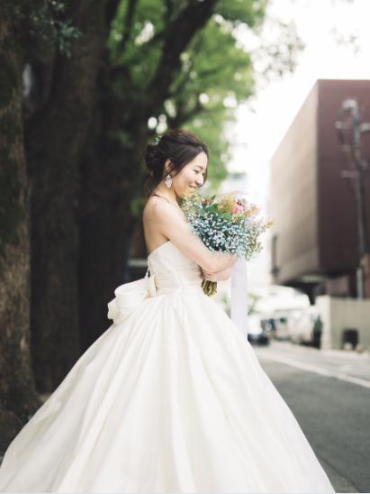 花嫁の美しさを引き立てるATNONIO RIVA sissi