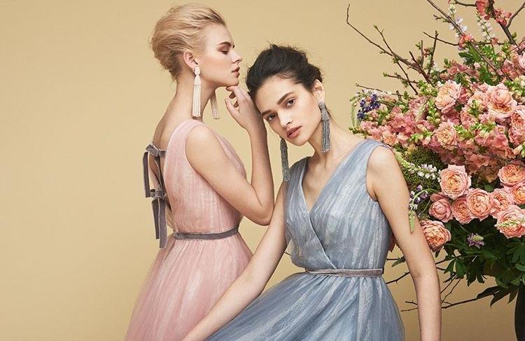 自分に似合うカラードレスは!?大人花嫁さまに人気のカラードレスが知りたい!