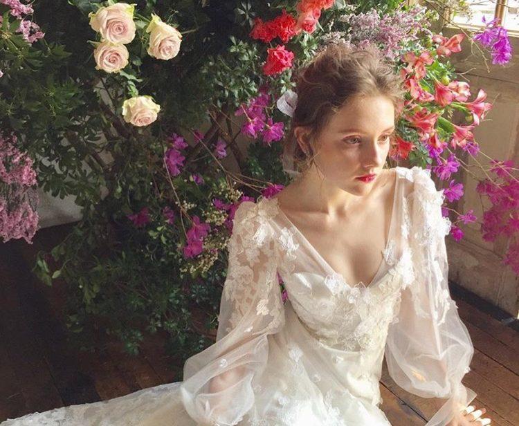 ドレス選びのヒントはパーソナルカラー!自分にぴったりのドレスとは?