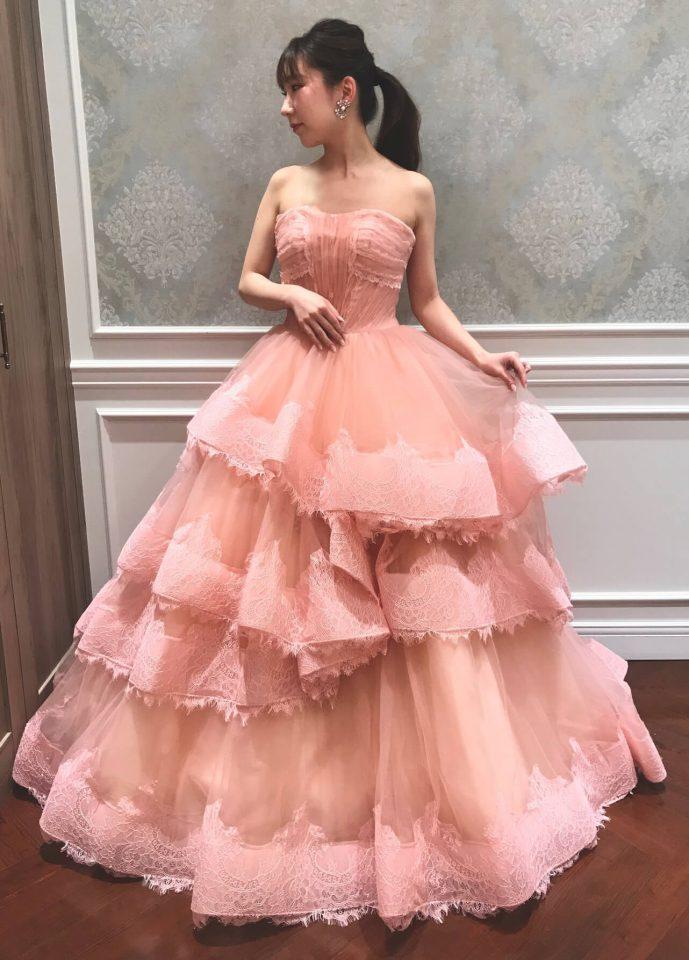 大人フェミニンを叶えるLeaf for Brides(リーフフォーブライズ)のカラードレス